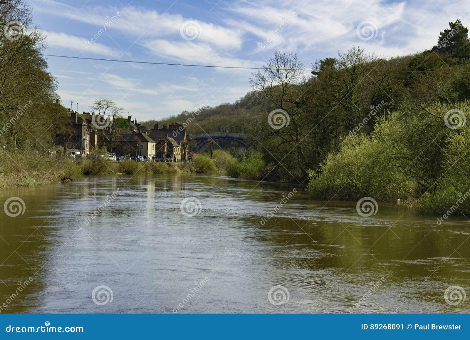 Ironbridge met Rivier Severn Shropshire