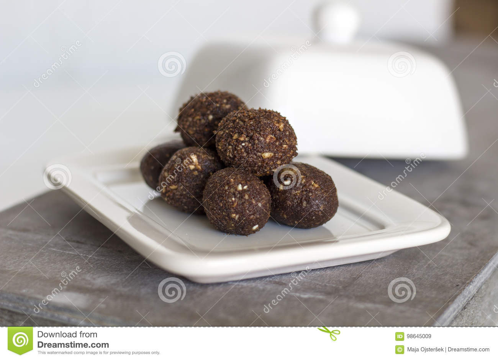 Irresistible healthy Energy Balls