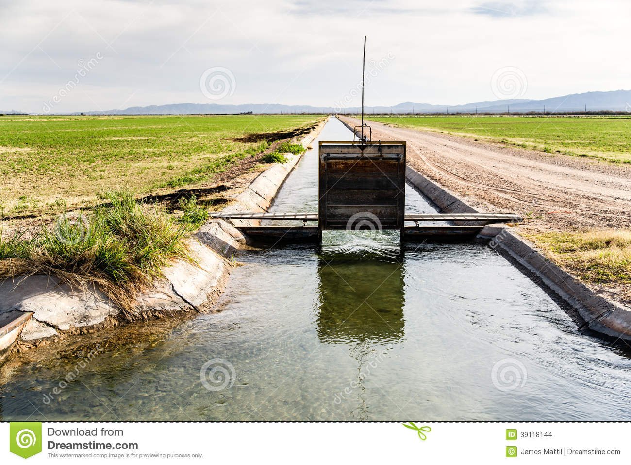 Irrigation Ditch With Flowing Water Stock Photo Image 39118144