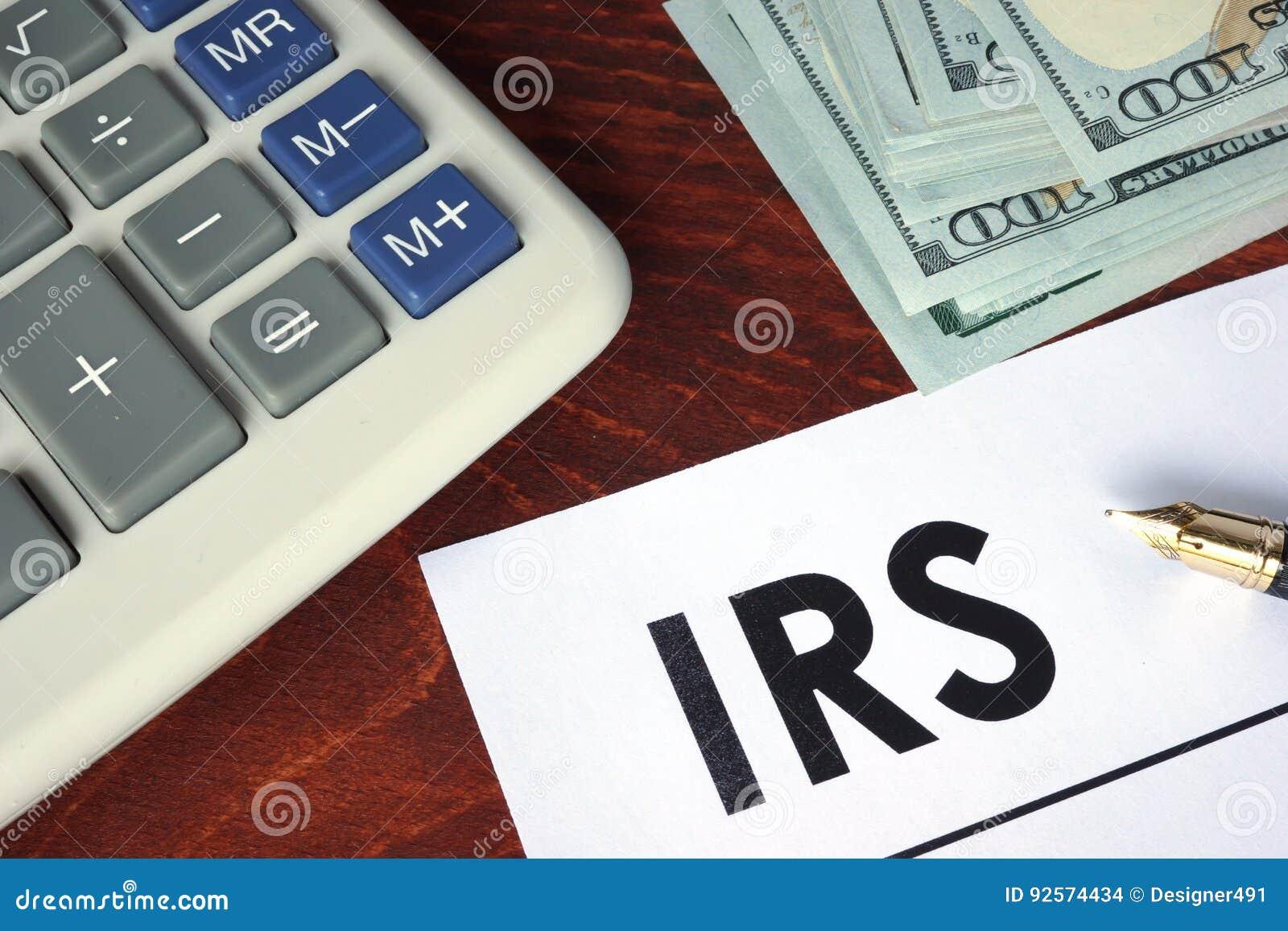 IRS scritto su una carta