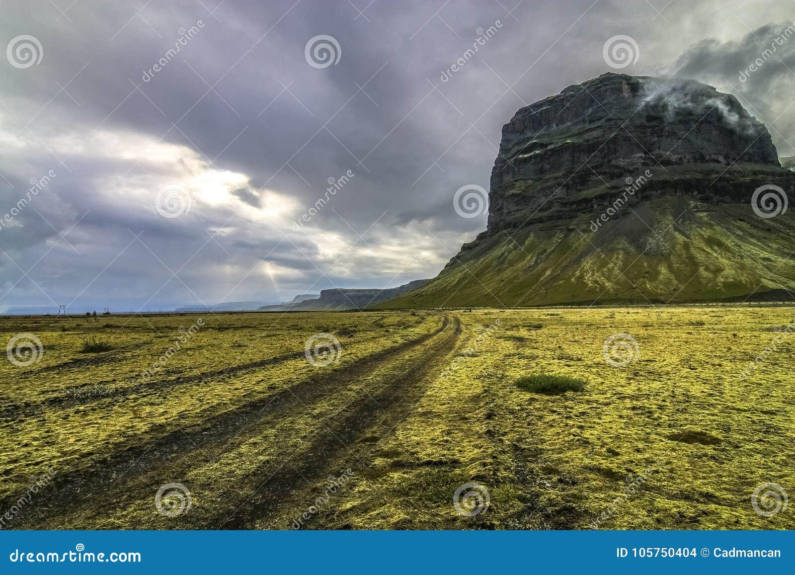 Islândia do sul que offroading em um 4x4