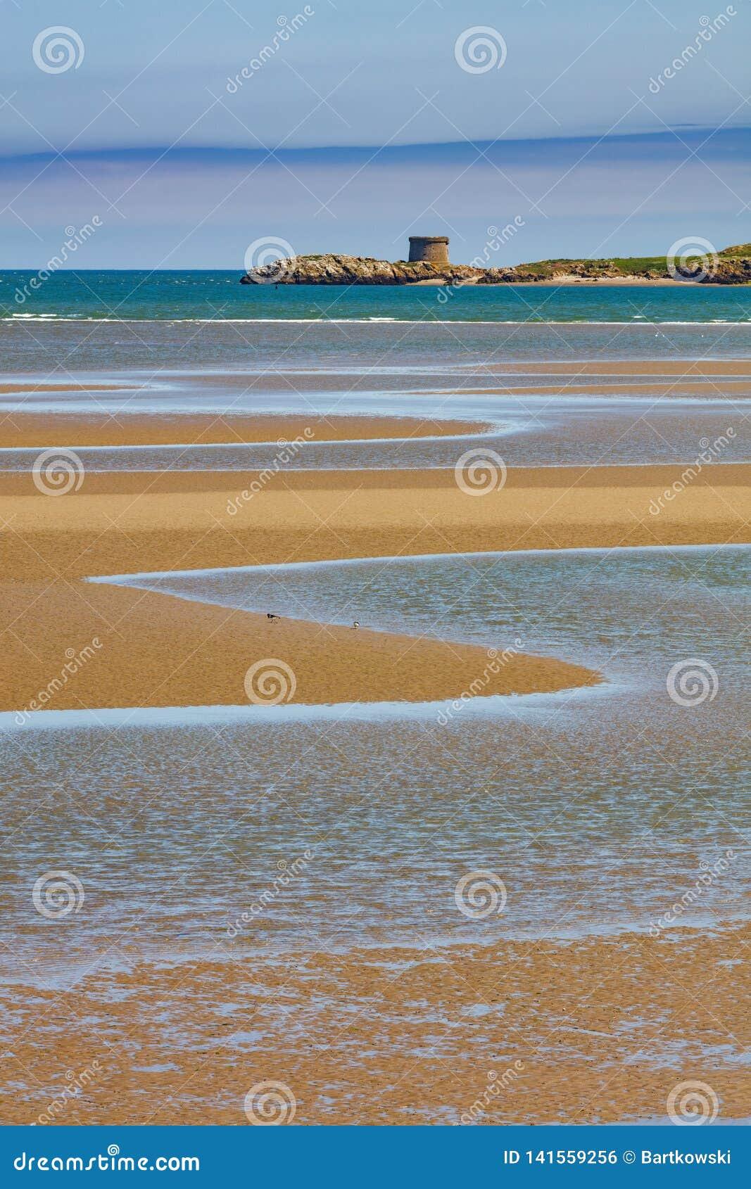 Isla del ojo de Irlanda en la costa este de Irlanda