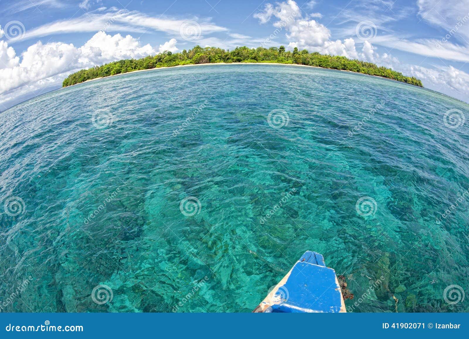 Isla tropical del paraíso de la turquesa de Siladen
