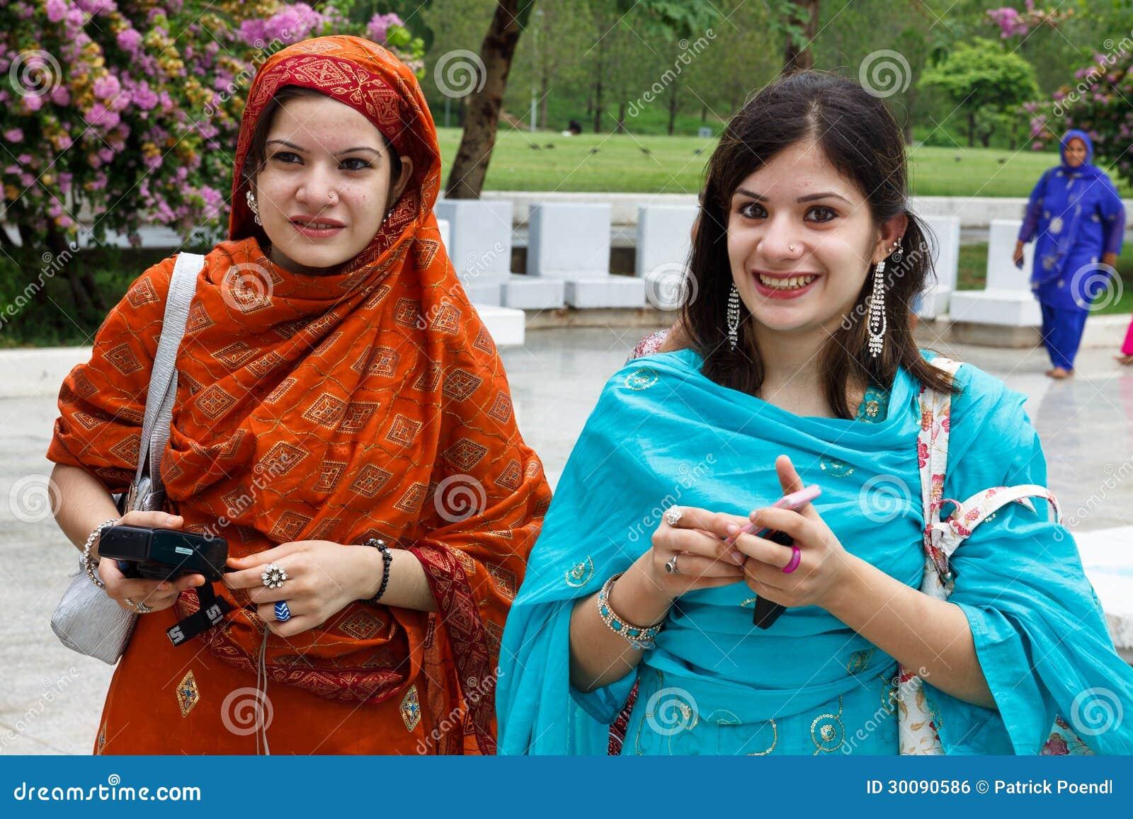 Mujeres de Paquistán en la mezquita de Faisal, Islamabad
