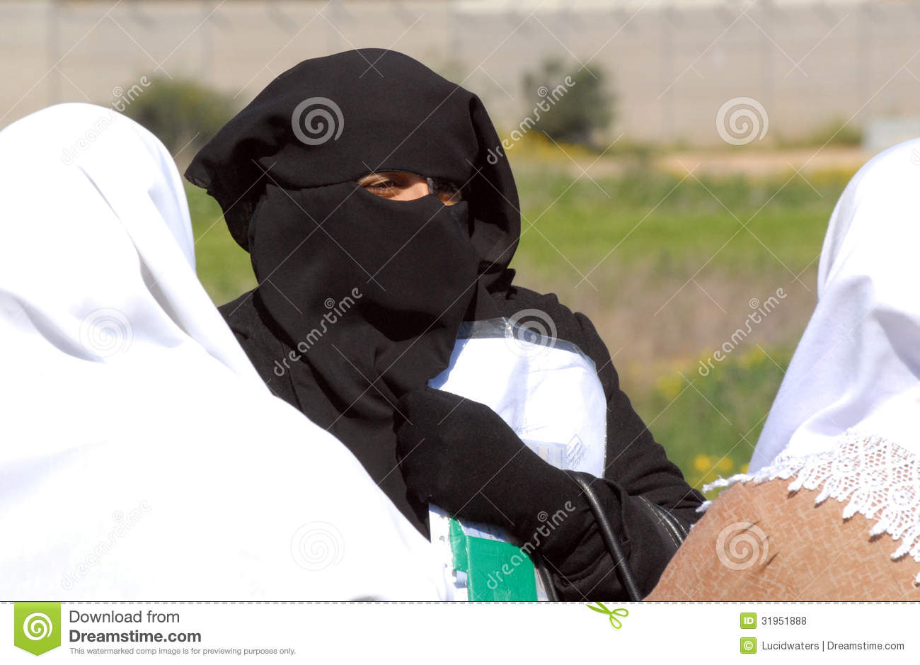 prides crossing single muslim girls 10 tips on how to date a muslim girl muslim dating rules provide that respect to the we create lovely pandas to help men and women like you find love and.