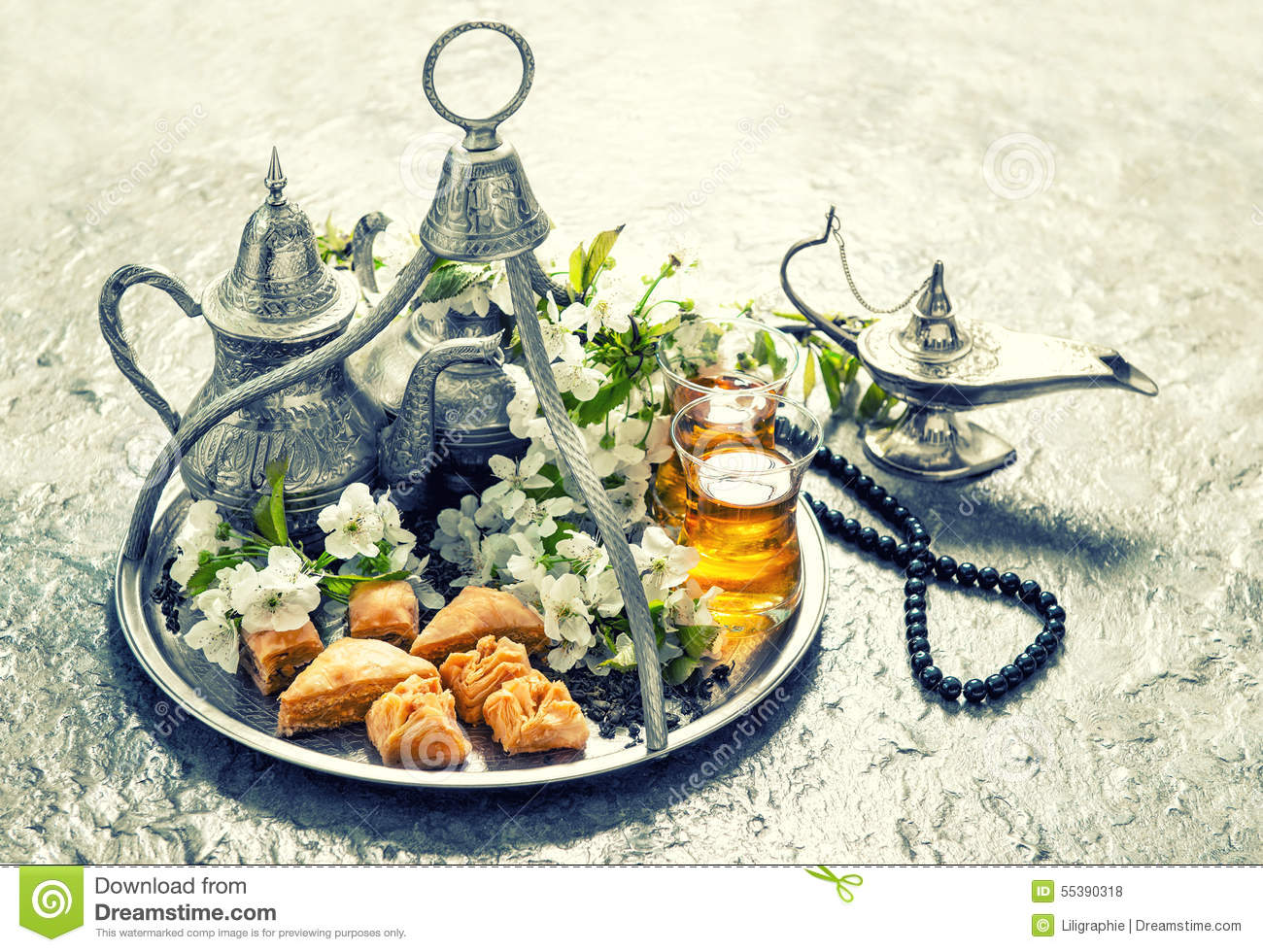 Islamic holidays food with decoration ramadan kareem for Decoration retro cuisine