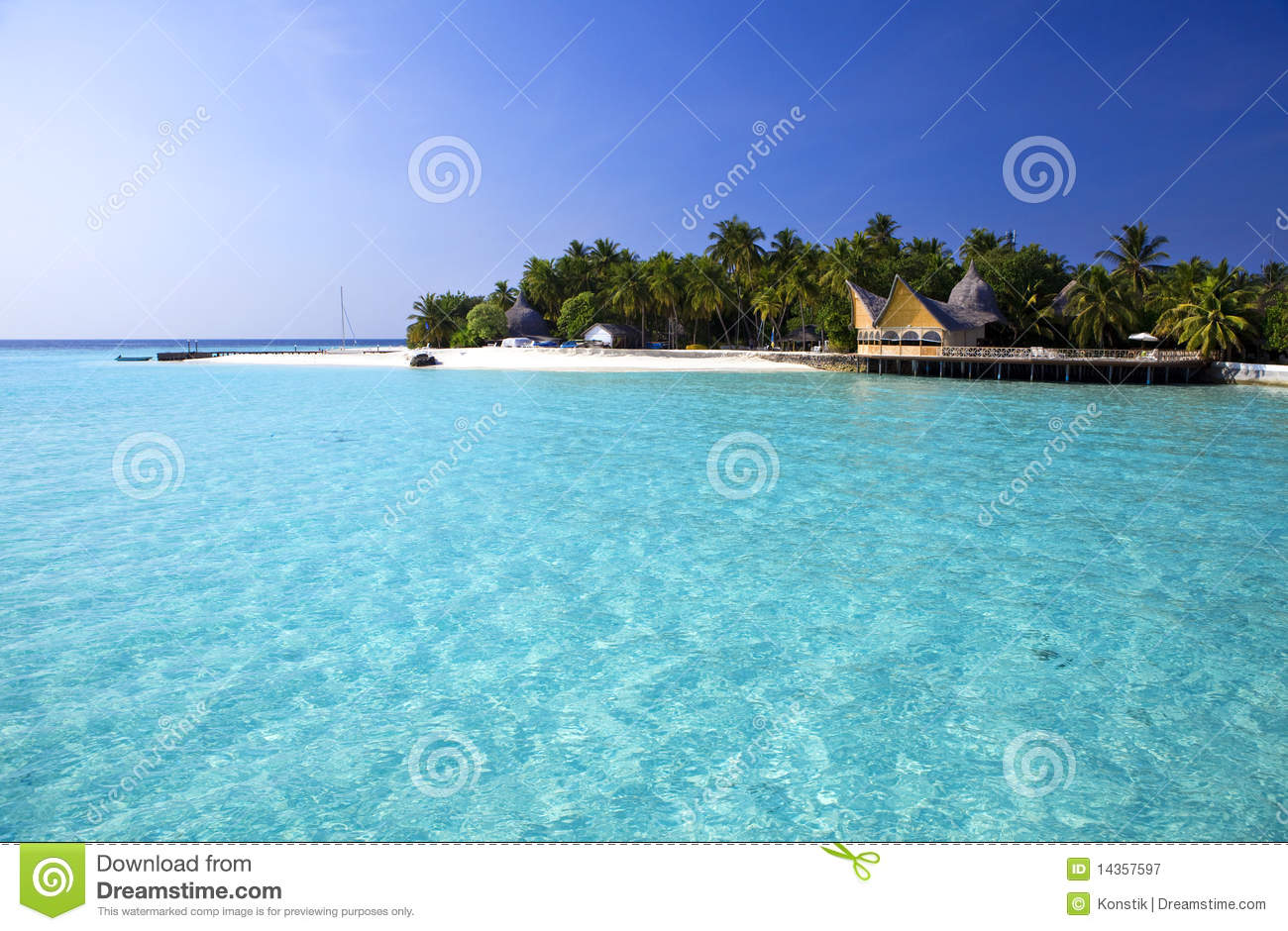 Island In Ocean, Maldives Royalty Free Stock Photography - Image ...
