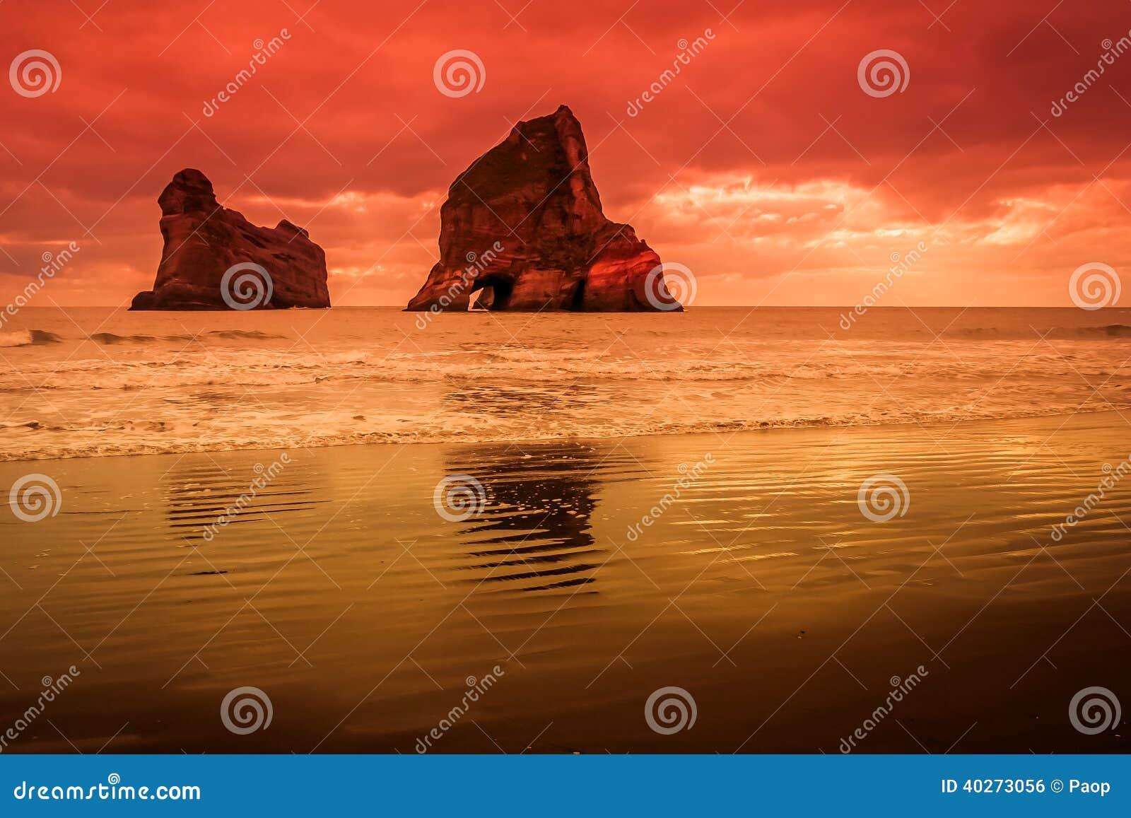 Islas de la arcada en la puesta del sol