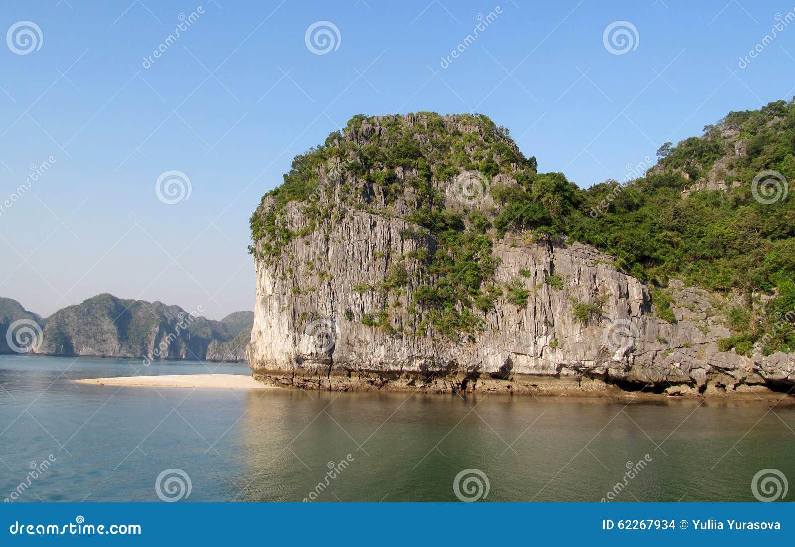 Islas hermosas en el mar