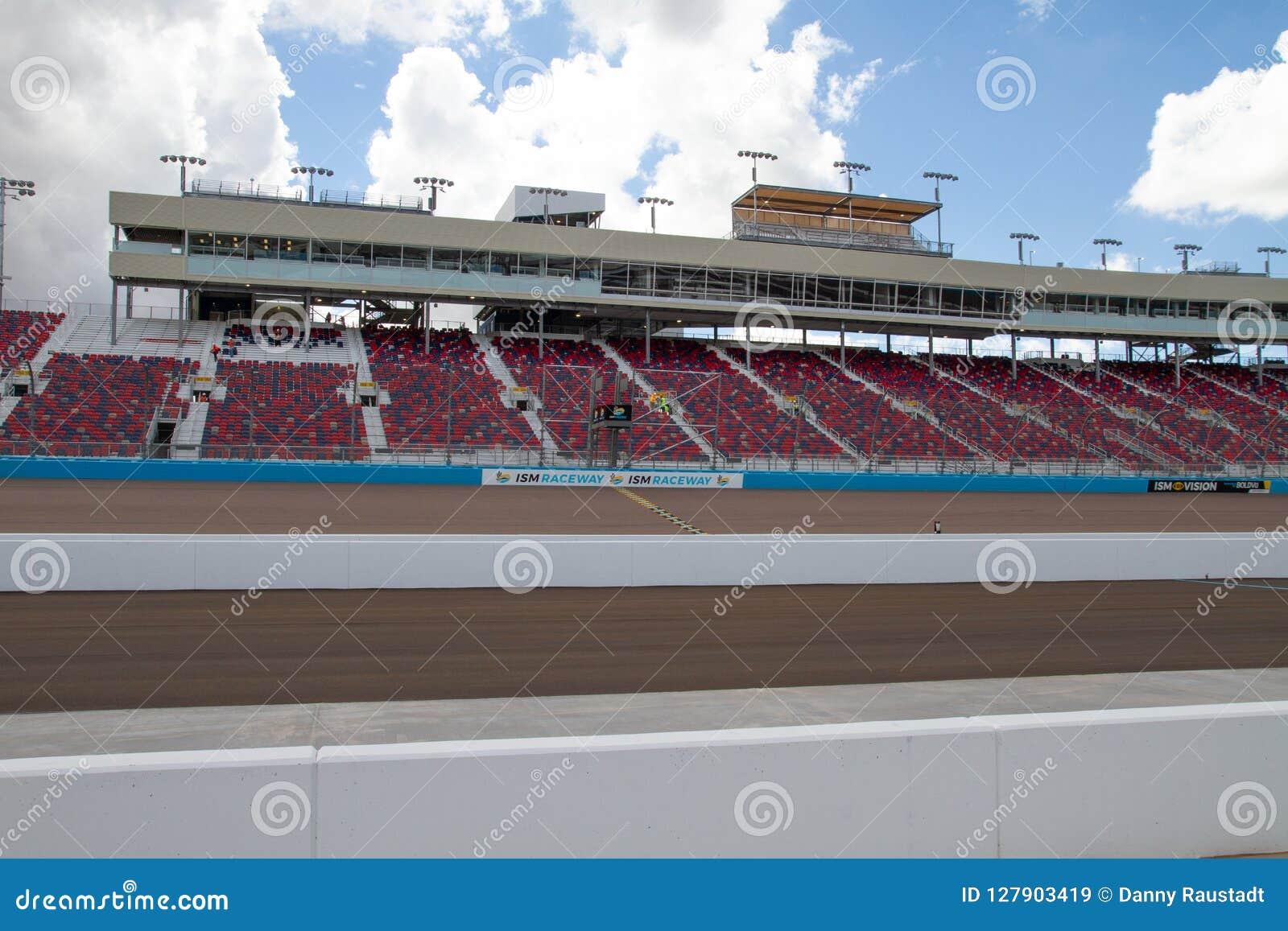 ISM Raceway - Phoenix Nascar and IndyCar