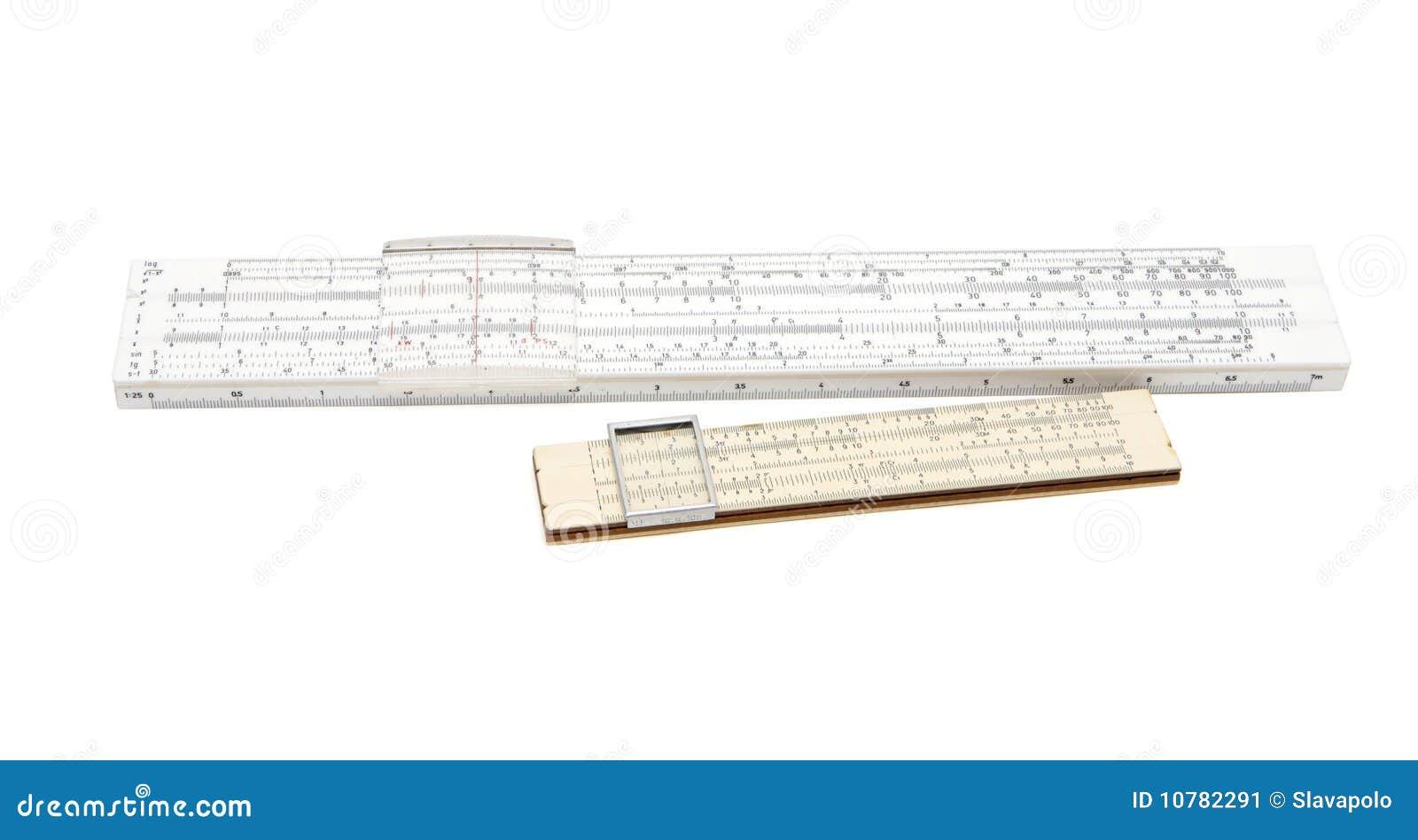 Isol van twee uitstekende rekenliniaal mechanische calculators