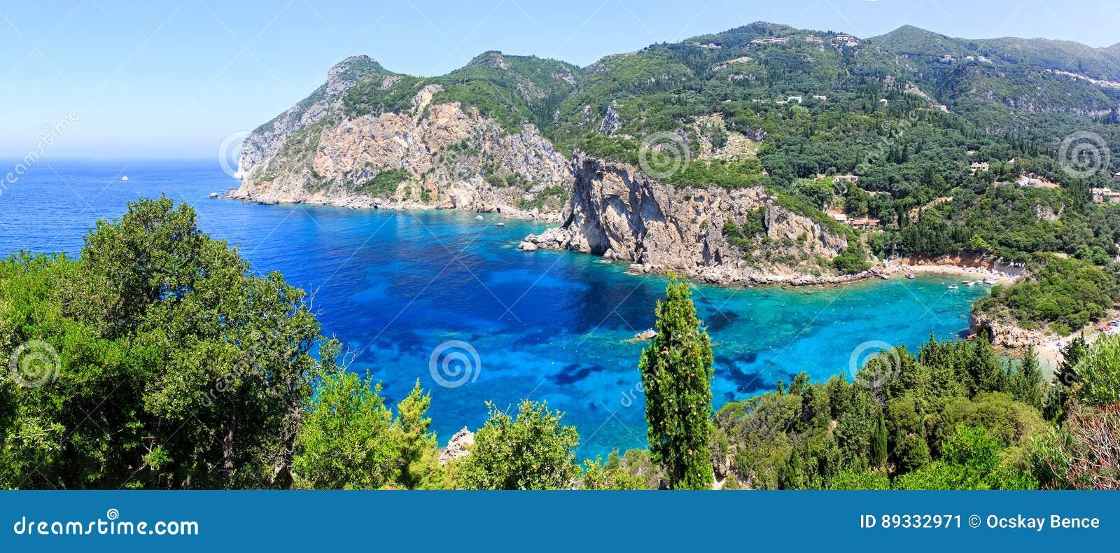 Isola di Corfù e mare ionico