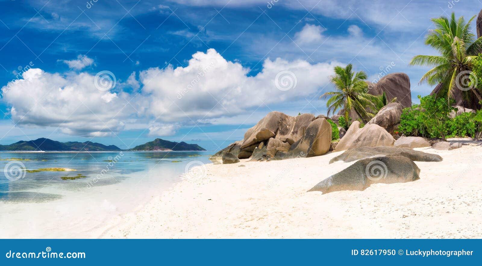 Isola di Digue della La - panorama Spiaggia delle Seychelles, argento di paradiso del ` di fonte d di Anse