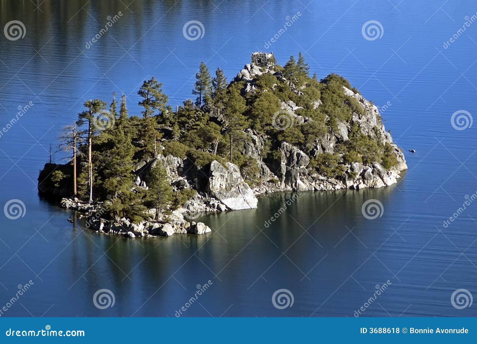 Isola verde smeraldo di fannette della baia del lake tahoe for Animali domestici della cabina del lake tahoe