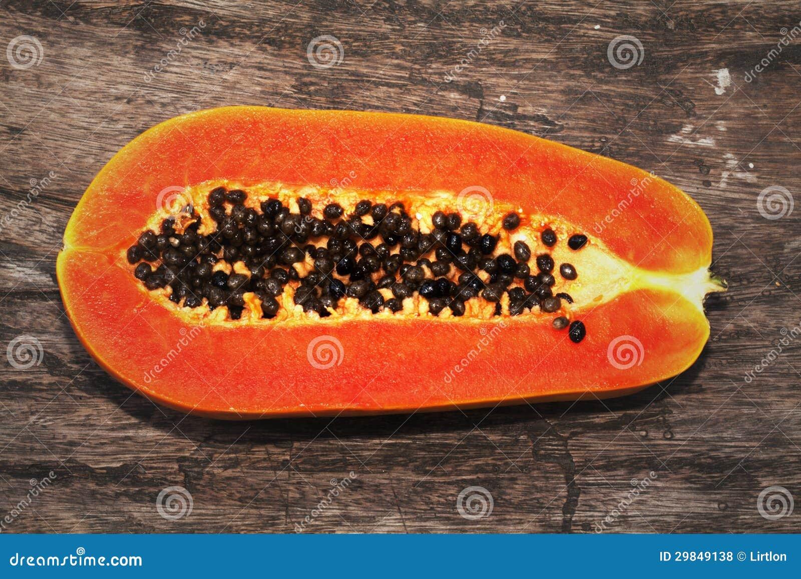 Isolado do fruto da papaia