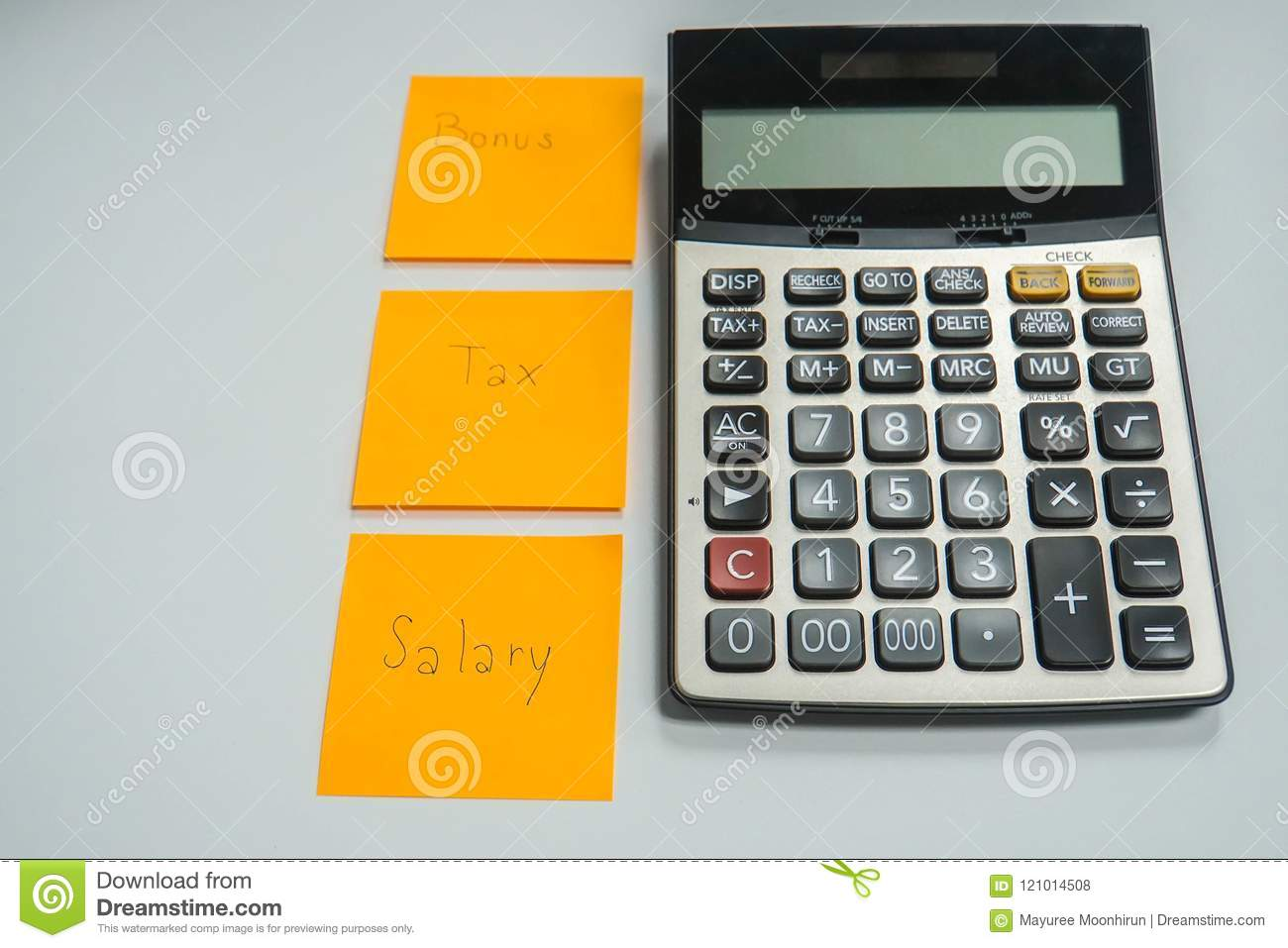 How to calculate annual salary (with salary calculators).