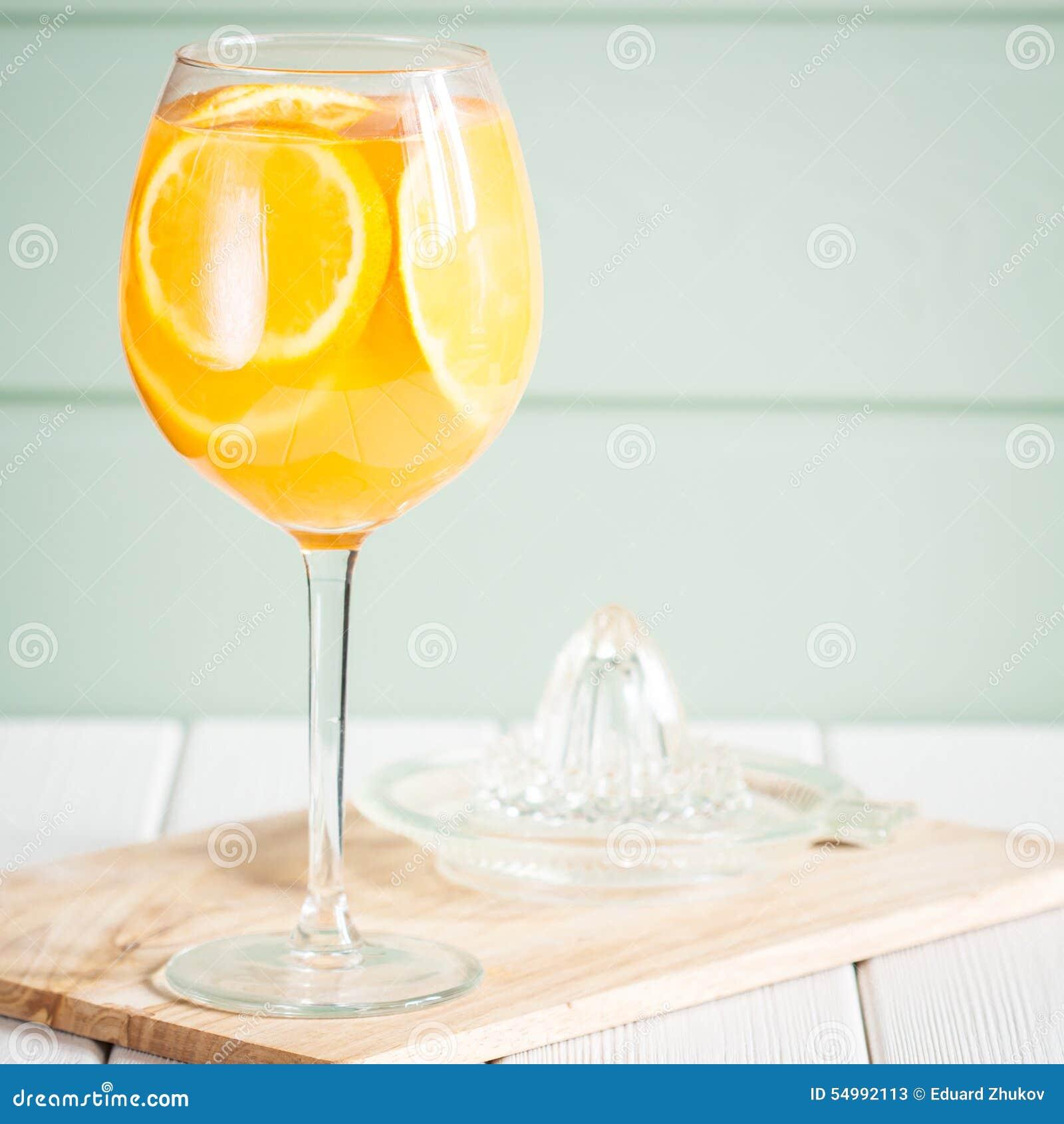 Isolerad orange white för fruktsaft