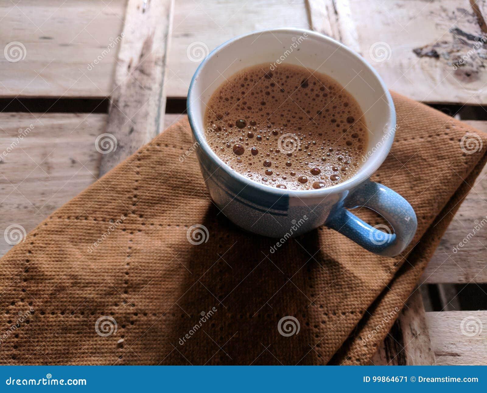 Isolerad teawhite för bakgrund kopp