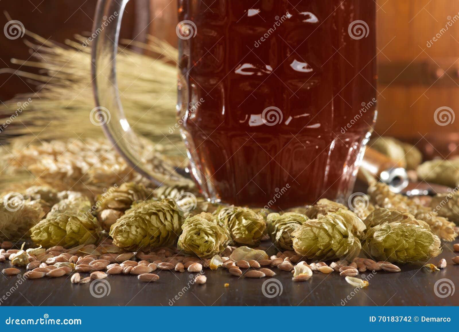 Isolerad white för öl exponeringsglas