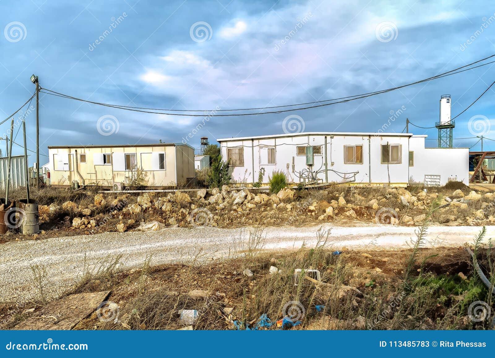 Israel Judea öken oktober 24th 2015 Judiska nybyggare reser upp olagligt en ny existens i öknen av judeaöknen, säger de