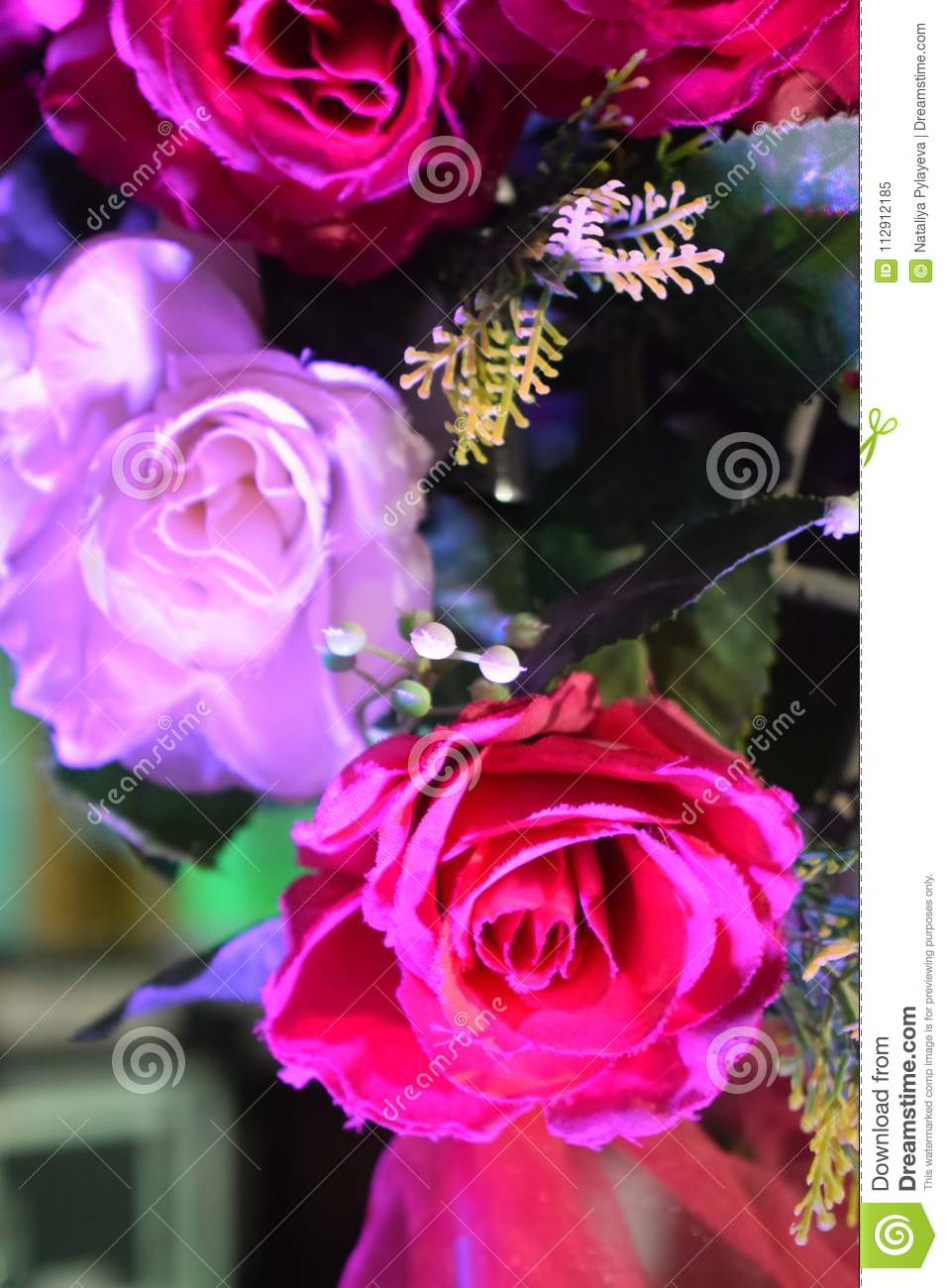 Decorative Artificial Pink Flower Roses Decoration On The Wedding