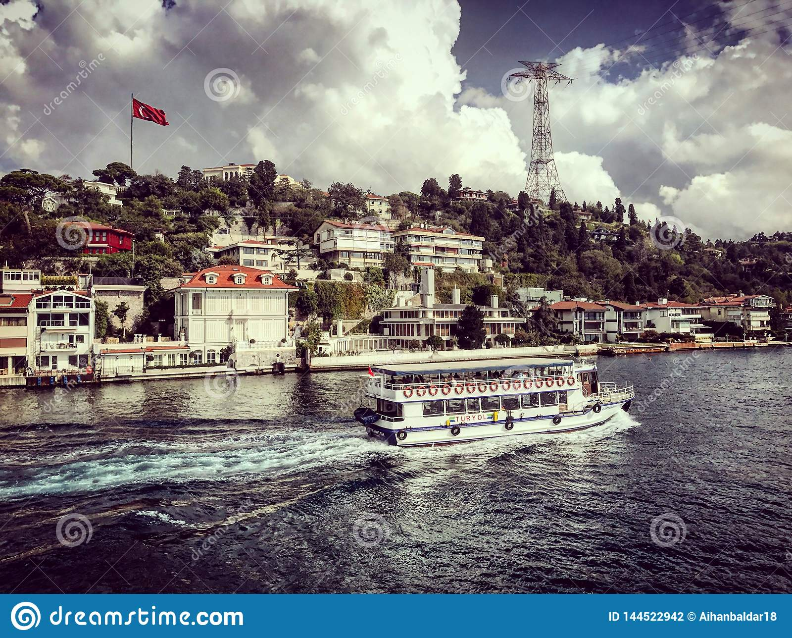 Istanbuł cieśniny bosphorus wycieczka turysyczna wysyła łodzie indycze