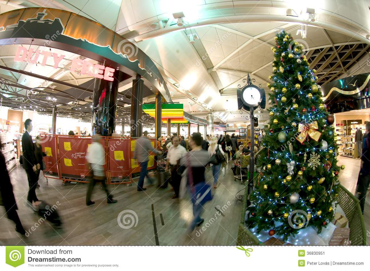 Istanbul atat rk airport christmas time editorial photo for Acheter decoration noel