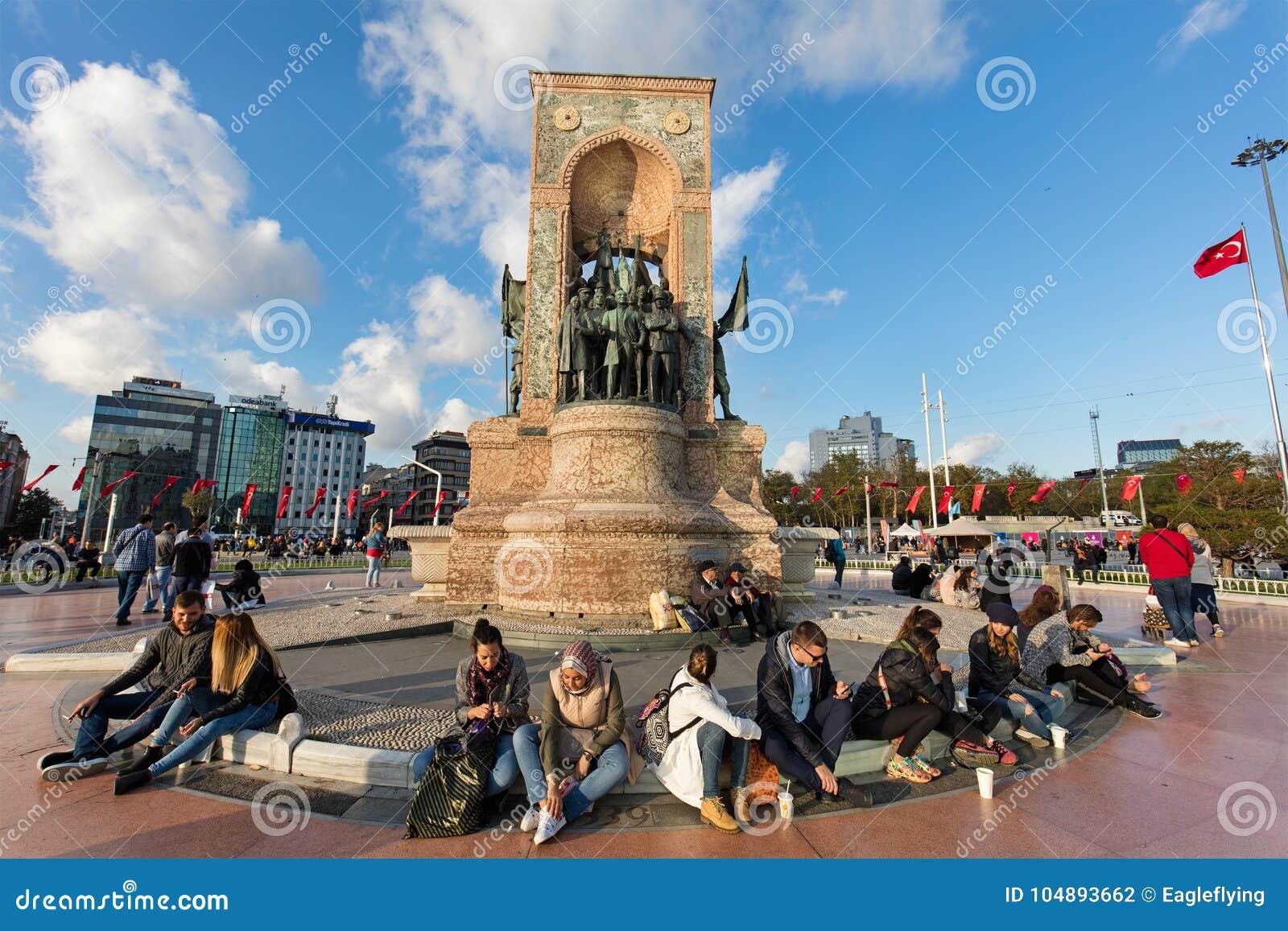 Curious monument in Taksim Square (Istanbul) 80
