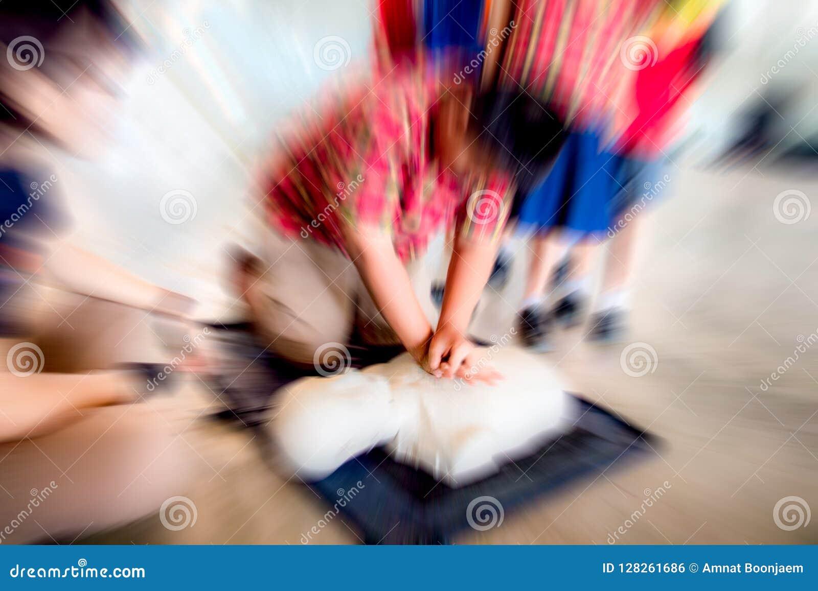 Istruzione del CPR del soccorritore di addestramento di emergenza, addestramento per la vita sicura
