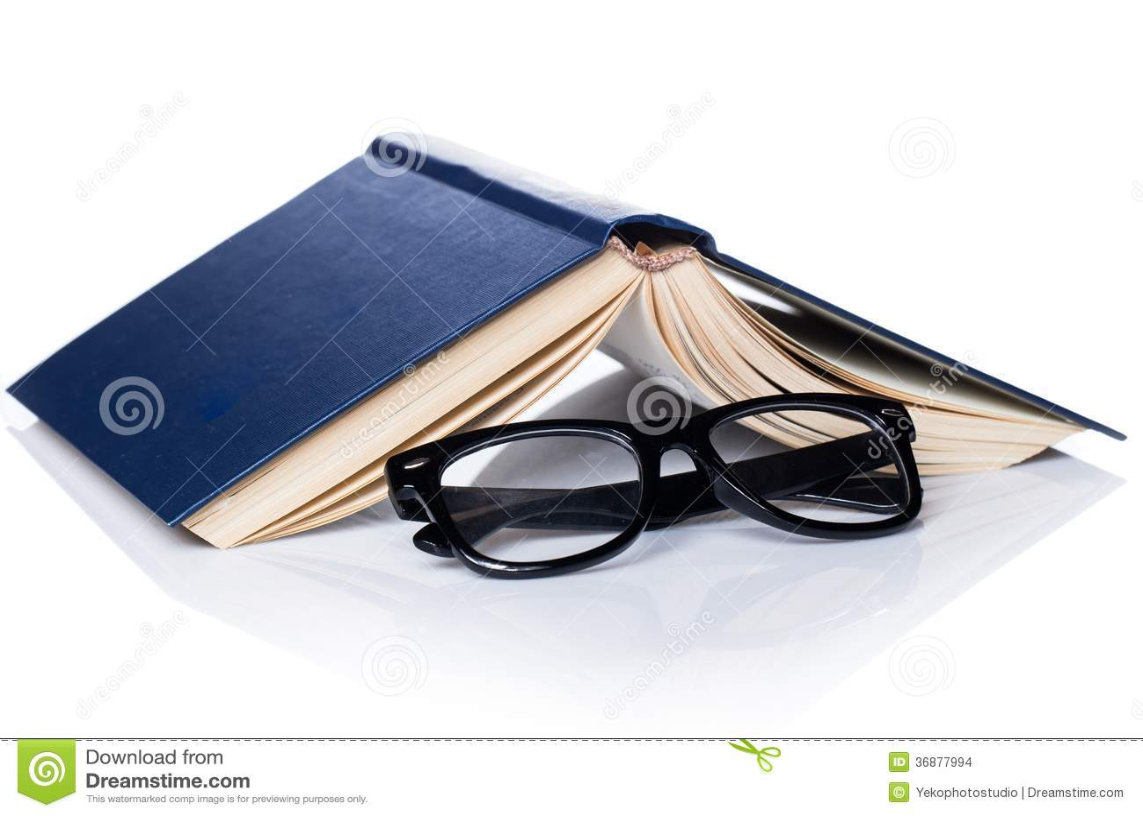 Download Istruzione, Scienza. Vecchio Libro Su Fondo Bianco Fotografia Stock - Immagine di libreria, bibbia: 36877994