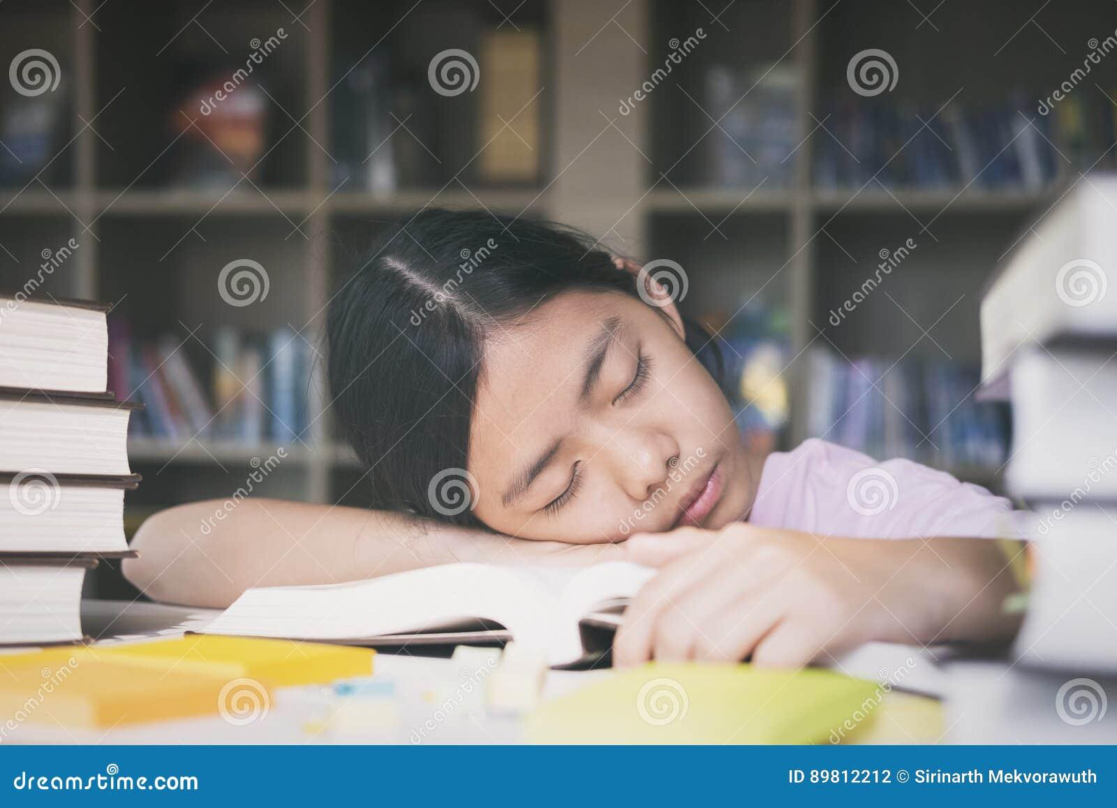 Istruzione, sessione, esami e concetto della scuola