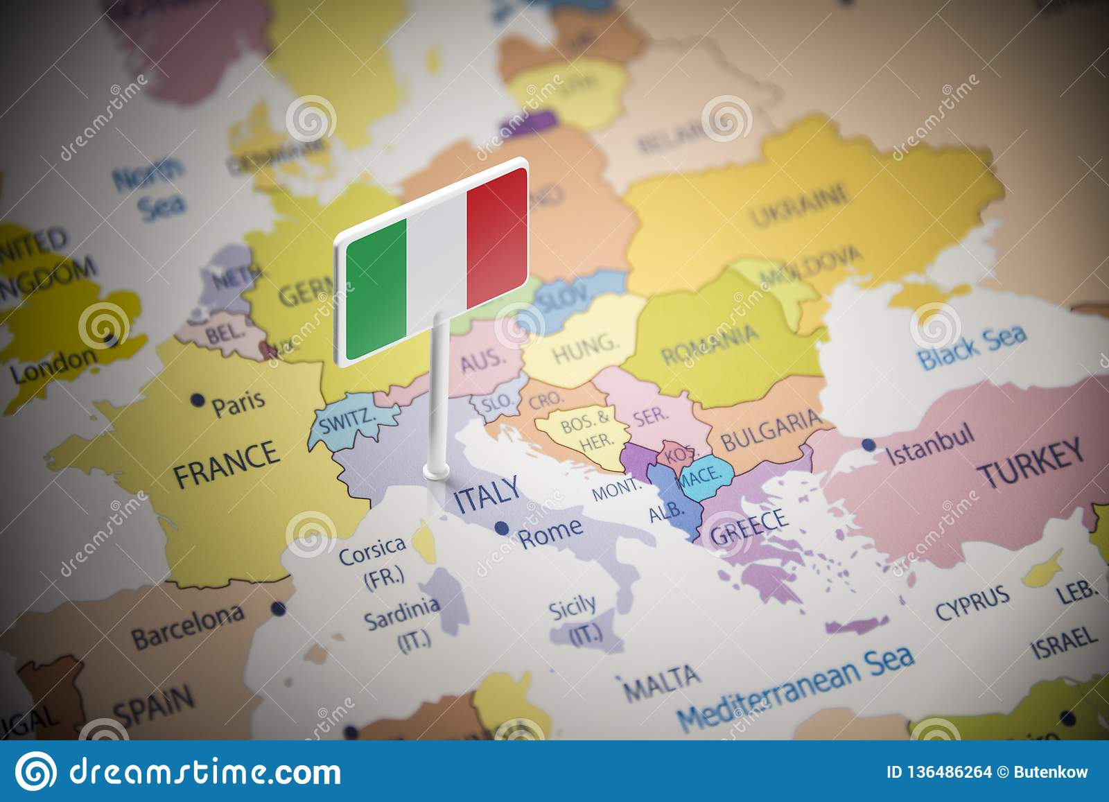 Itália identificou por meio de uma bandeira no mapa