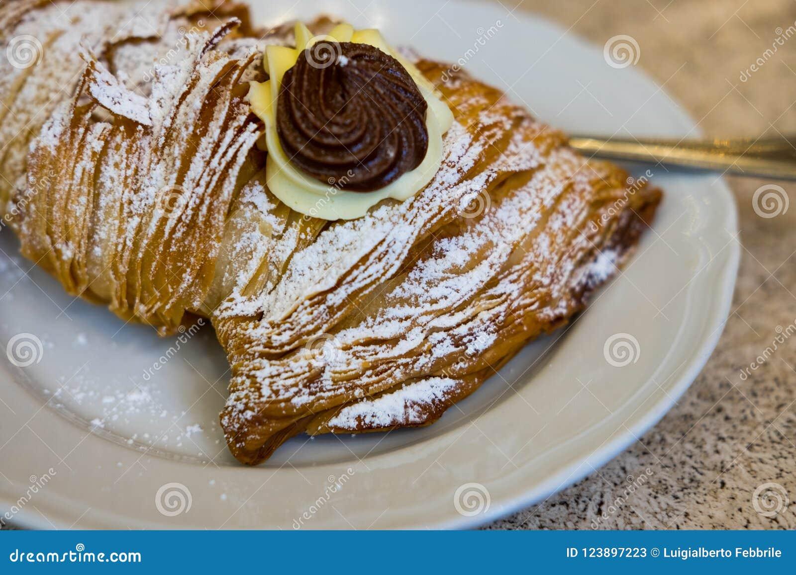 Italiaans gebakje genoemd `-zeekreeft `
