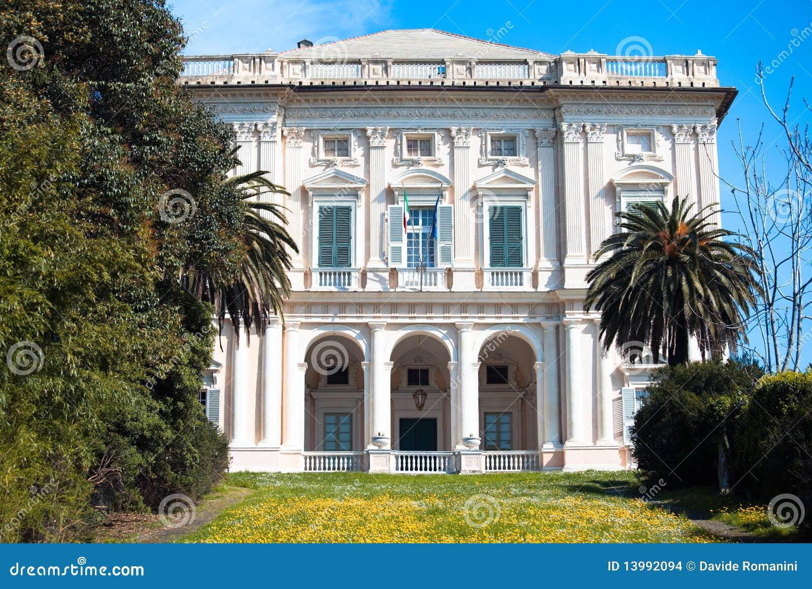 Ongebruikt Italiaanse klassieke villa stock foto. Afbeelding bestaande uit KY-32