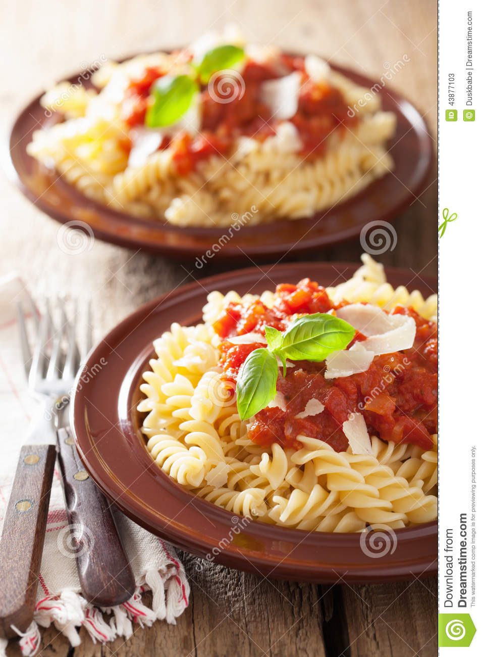 Fusilli With Raw Tomato Sauce Recipes — Dishmaps