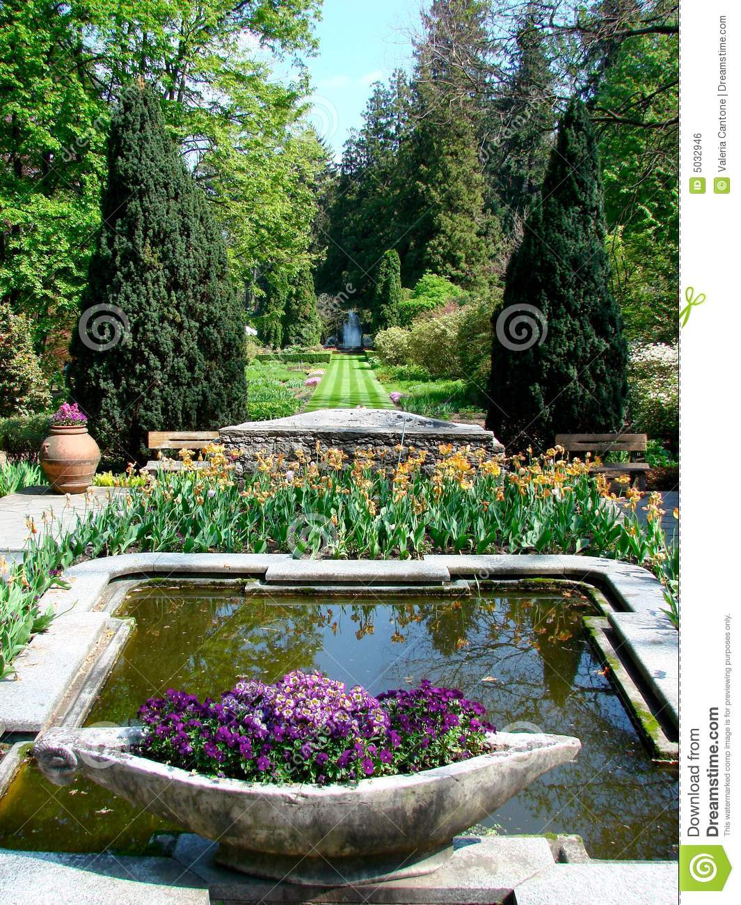 Italian Garden With Fountain Stock Photo Image Of