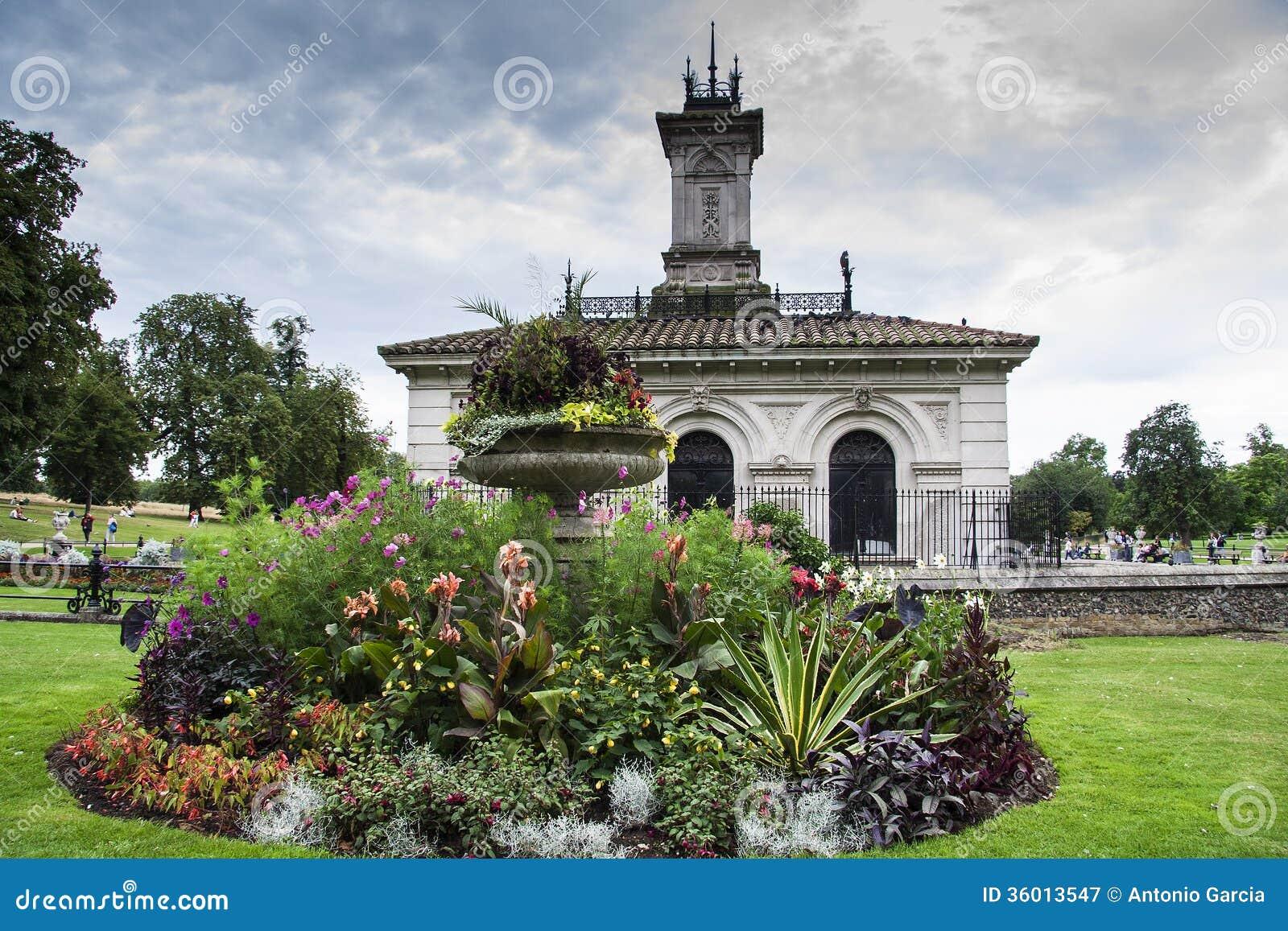 Italian Garden At Kensington Gardens Stock Photography