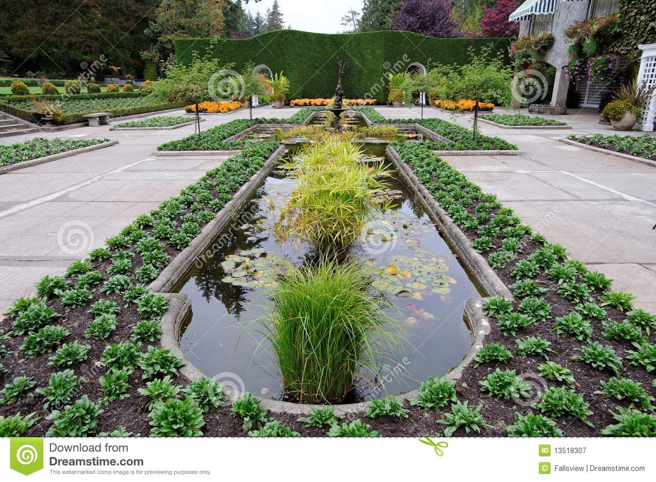 Italian garden landscaping royalty free stock photography for Landscaping rocks victoria bc
