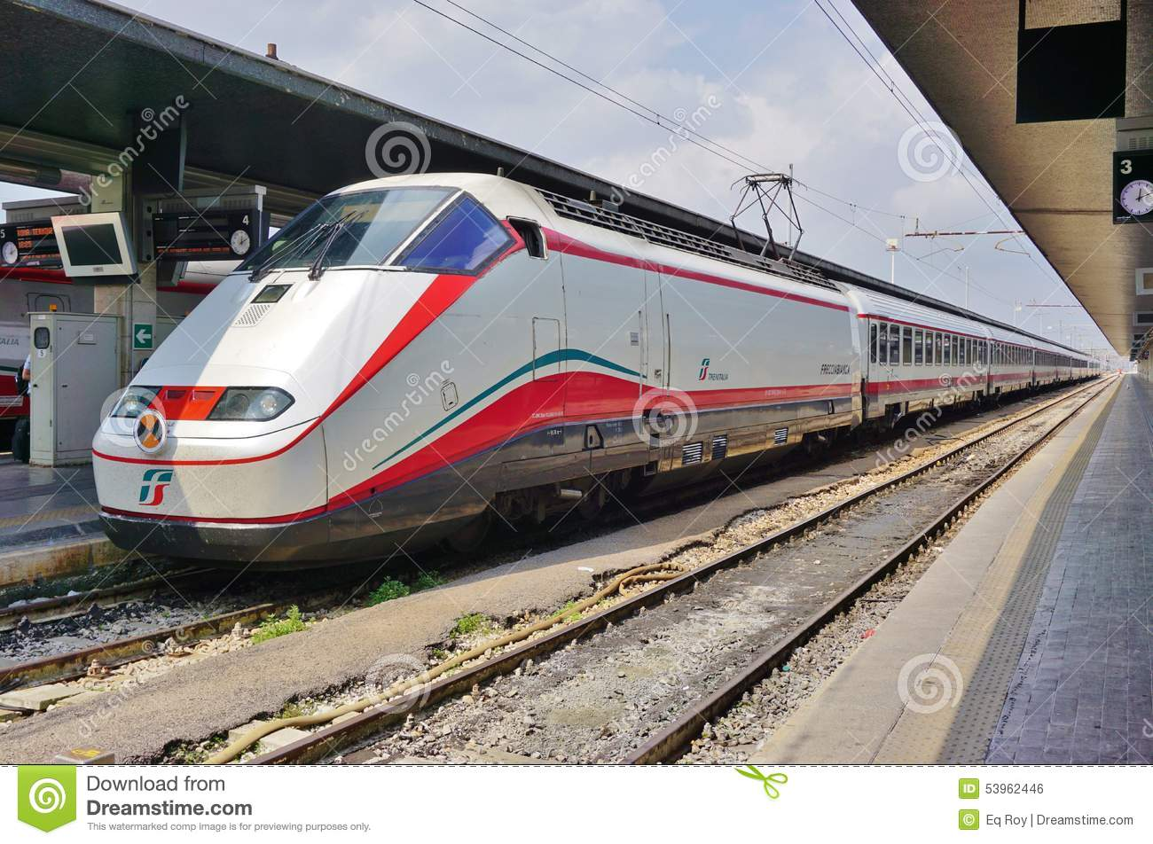 an italian high speed train at the venice station editorial photo image of frecciargento. Black Bedroom Furniture Sets. Home Design Ideas