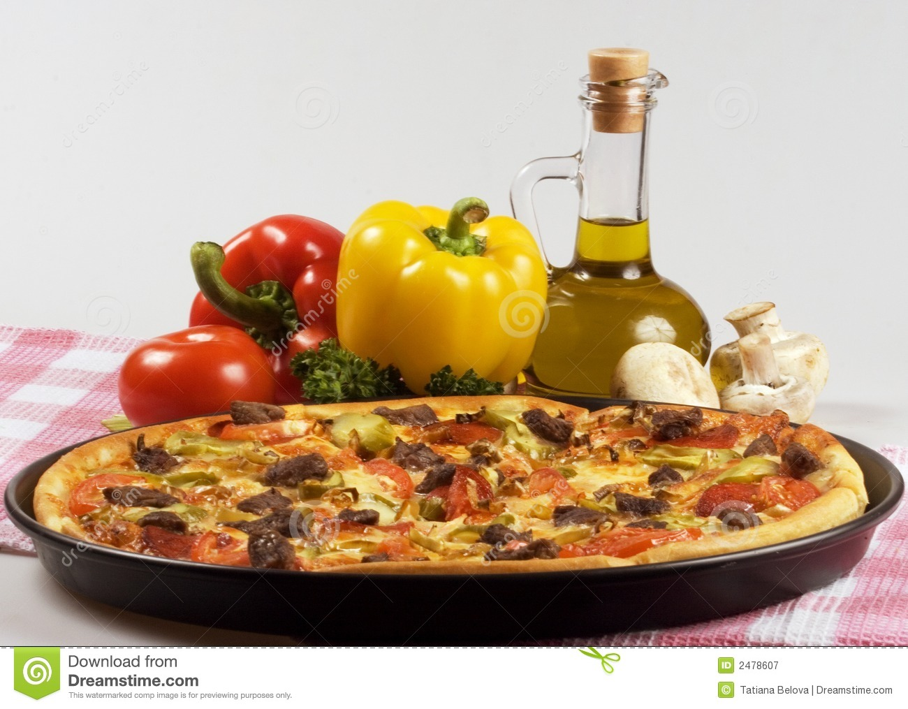 Italian kitchen and pizza royalty free stock photography for Daves italian kitchen