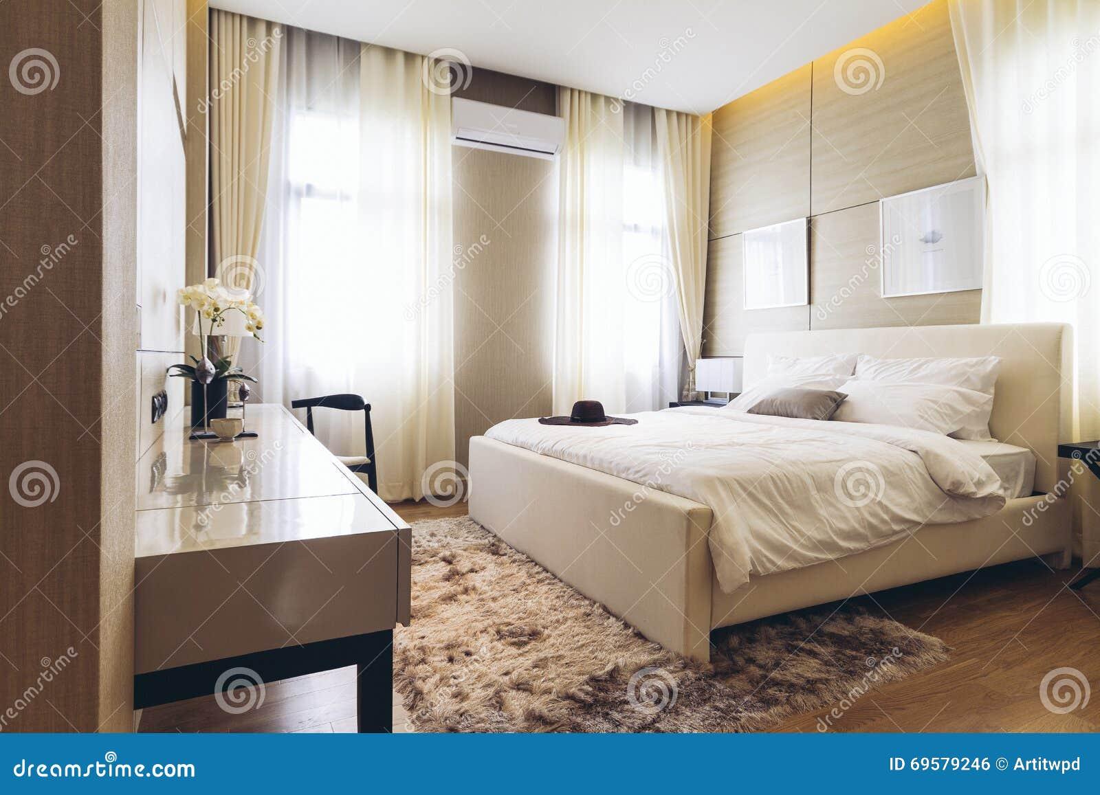 Italian Modern Model House : Bedroom