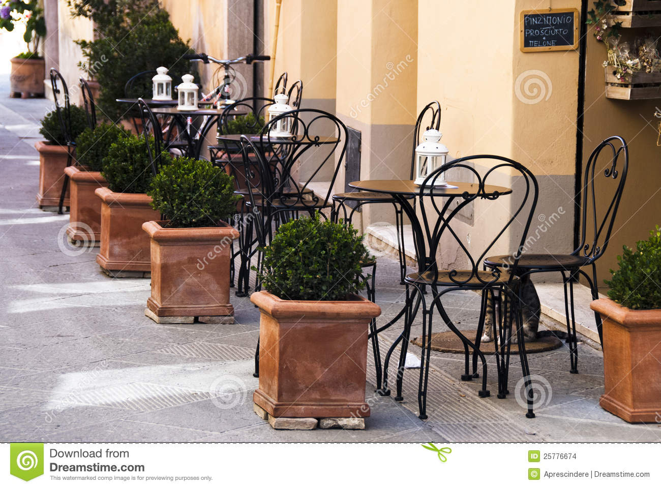 Italian Outdoor Cafe Stock Images Image 25776674 : italian outdoor cafe 25776674 from www.dreamstime.com size 1300 x 960 jpeg 210kB