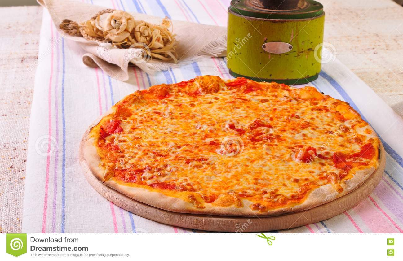 Italian pizza on table stock images image 20774654 for Table a pizza