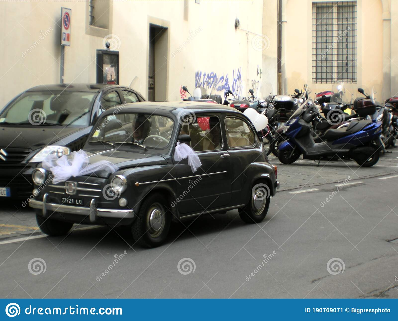 Italian Wedding The Bride Arrives Classic Car Lucca ...