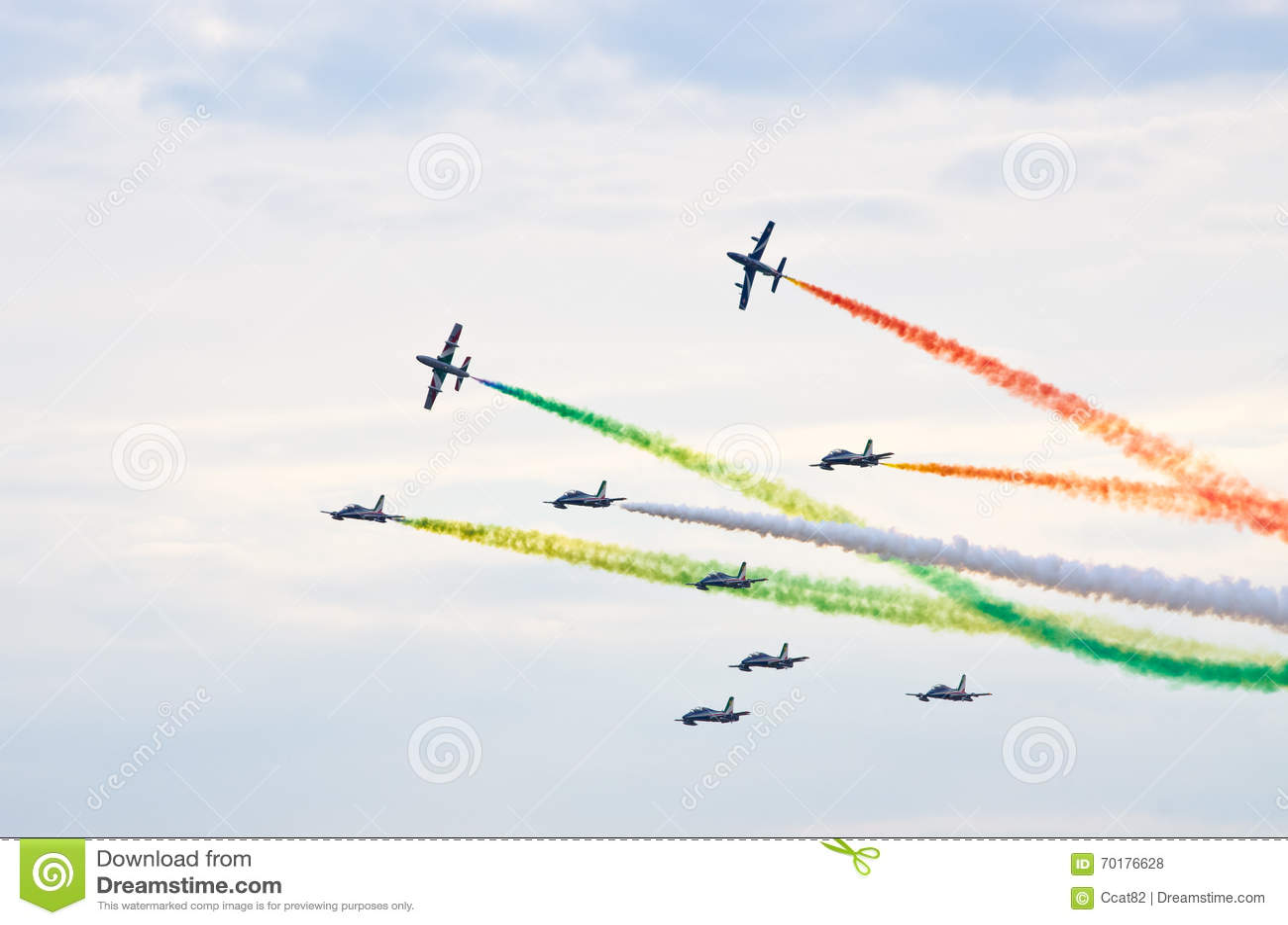 ItalienareFrecce Tricolori bildande på Radom Airshow, Polen