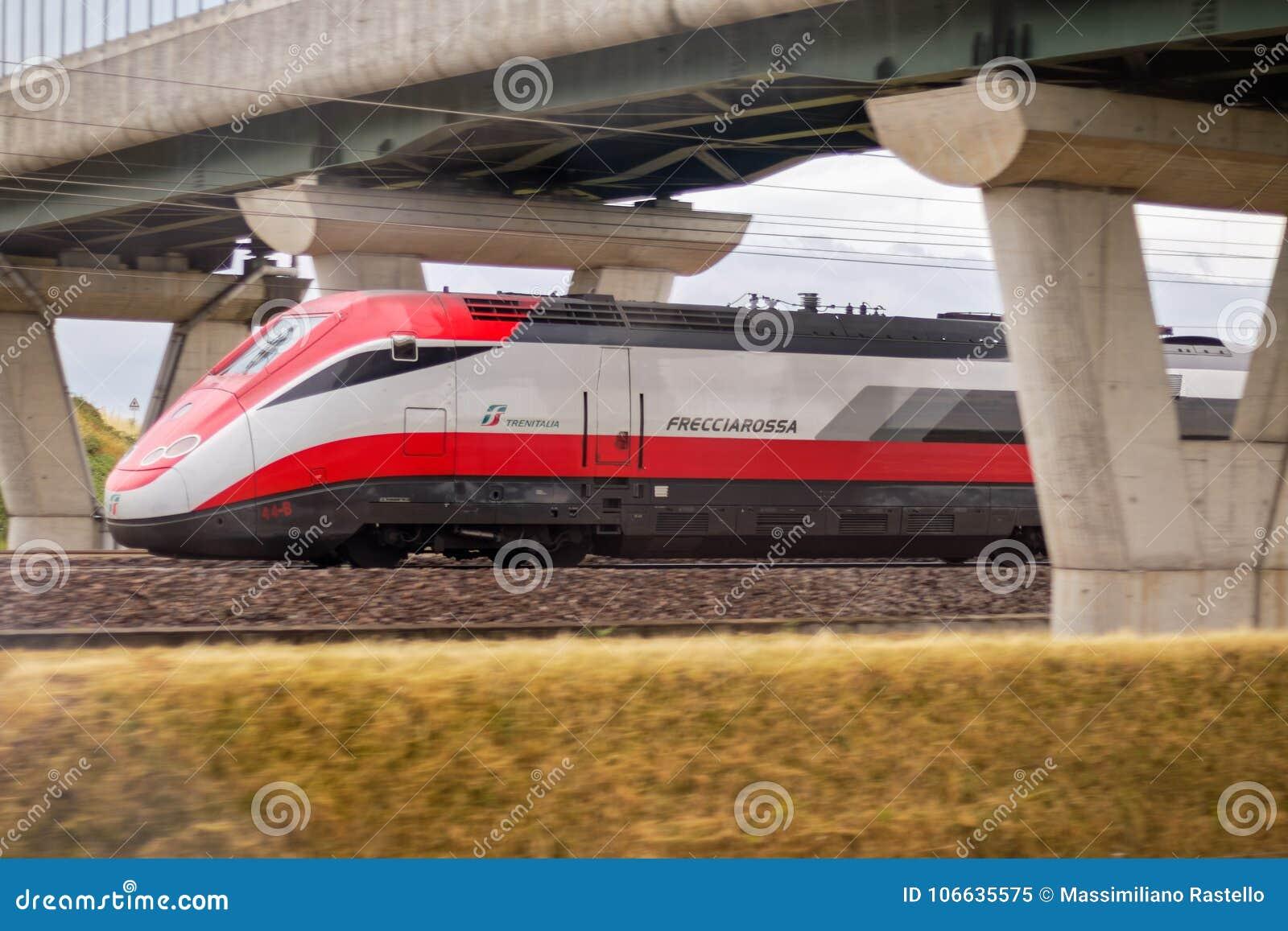 Italienischer Zug Frecciarossa-Betrieb