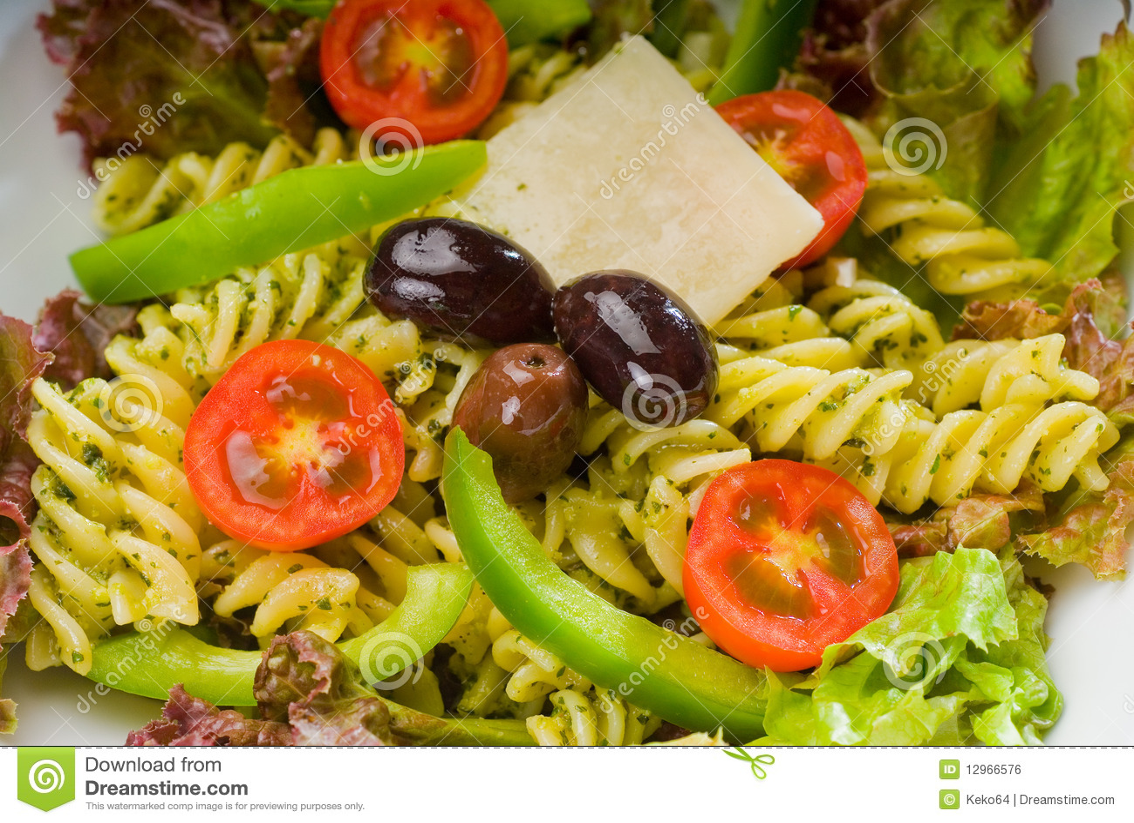 Italiensk pastasallad för fusilli