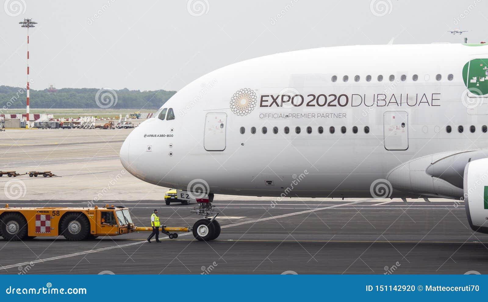Italy milano Malpensa internationell flygplats Flygbuss A380 p? terminalen E ExpoDubai UAE livré 2020