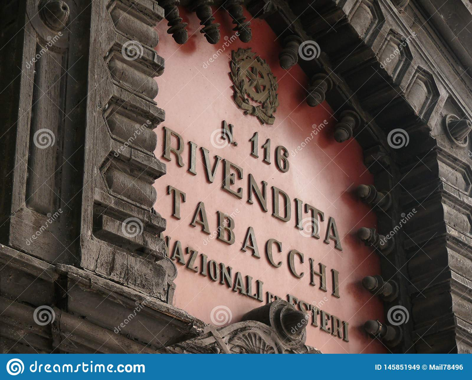 Italy palermo sicily E Tobak shoppar tecknet