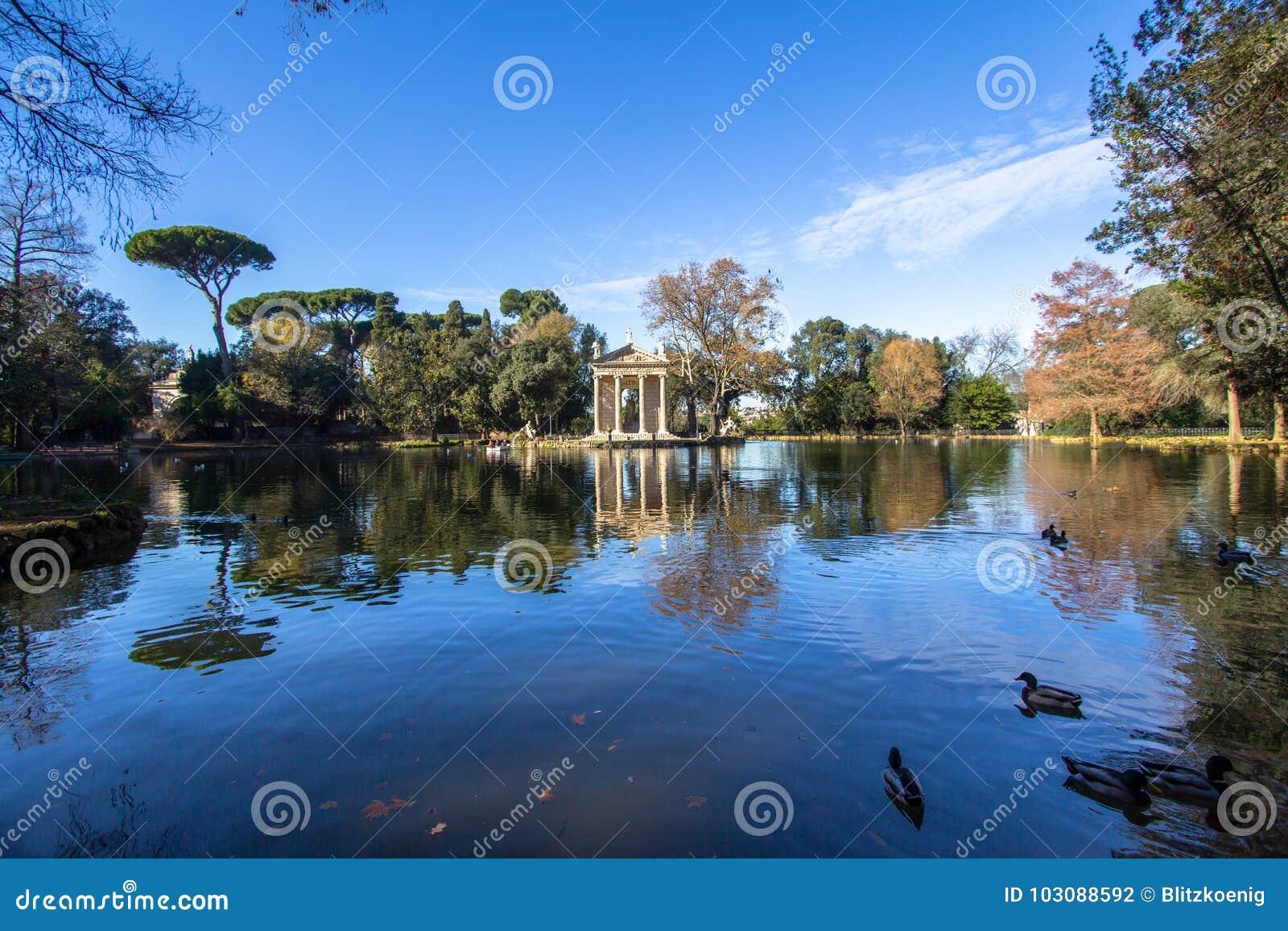 Italy rome Tempel av Asclepius på villaBorghese trädgårdar